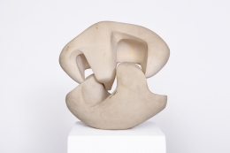 Marta Pan's ceramic sculpture, full view of the piece pulled apart