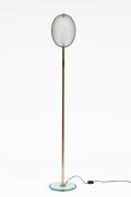 Max Ingrand/Fontana Artes' glass and brass floor lamp, full straight view