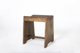 Pierre Jeanneret's stool, full diagonal view