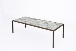 Mado Jolain's ceramic coffee table, diagonal full view