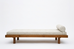 "Pierre Chapo's ""L01E' daybed straight view"