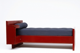 Jean Prouvé's daybed, side diagonal view