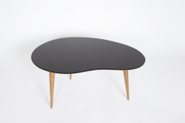 Jean Royère's free form coffee table, straight full view from above