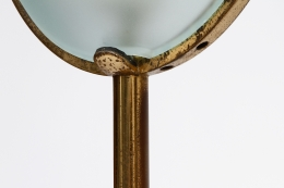 Max Ingrand/Fontana Artes' glass and brass floor lamp, detailed view of brass frame
