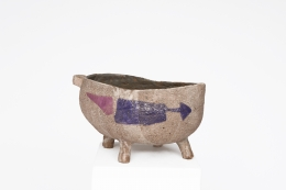 Juliette Derel's large ceramic bowl straight view from above