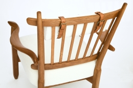 Guillerme et Chambron's pair of armchairs, detailed view of back