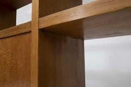 Jean Royère's bookshelf, detailed view of the shelves
