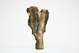 Joëlle Deroubaix's Large Sculpture, full front view