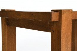 Unknown artist's table, detailed view of corner and side