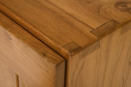 Maison Regain's sideboard, detailed view of corner