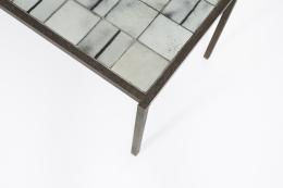 Mado Jolain's ceramic coffee table, detailed view of top corner