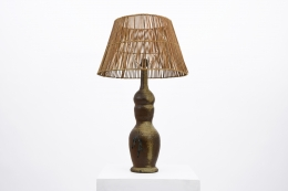 La Borne's ceramic table lamp, full view with rattan lamp shade