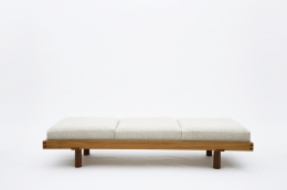 """Pierre Chapo's """"L09F"""" daybed straight view"""