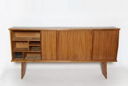 Charlotte Perriand & Pierre Jeanneret's Sideboard, Equipement de la Maison, full straight view from above with left door open