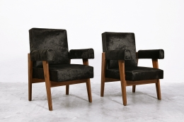 """Le Corbusier, Pierre Jeanneret & Jeet Lal Malhotra's """"Advocate and Press"""" pair of armchairs, front diagonal views"""
