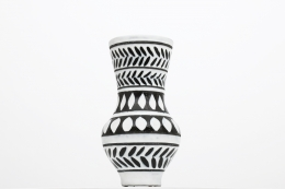 Roger Capron's ceramic vase straight view
