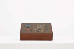 Unknown artist box closed