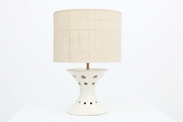 Roger Capron's ceramic table lamp straight view