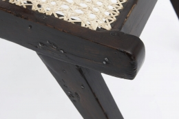 Pierre Jeanneret's set of 8 demountable chairs detailed view of teak framing