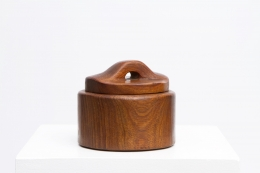 Alexandre Noll's wooden box with lid, full straight view