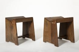 Pierre Jeanneret's stool, diagonal views of 2 stools