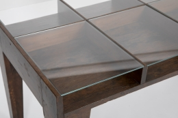 Pierre Jeanneret's console, detailed view of glass on top