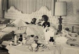Peter Alexander in bed ca. 1970