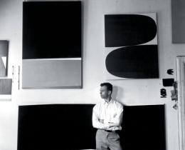 Photo of Ellsworth Kelly in his studio