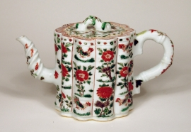 Fine Chinese Famille Verte Porcelain Bamboo Form Teapot