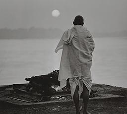 Review of Kenro Izu's Kiyosato Museum of Photographic Arts Exhibition
