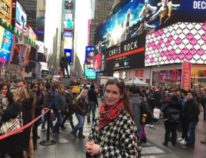 På de enorme lystavlene på Times Square ruller en norsk film