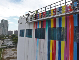 Markus Linnenbrink paints mural in Miami