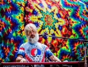 Phil Lesh keyboardist Scott Guberman live at Bahr Gallery