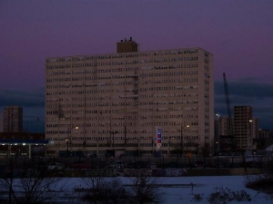 "Jan Tichy leads community art project to ""light"" the last high-rise at Cabrini-Green"