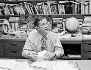 """8.7 HBO's The Newspaperman, on the Life of Ben Bradlee, Is the Antidote to """"Fake News"""""""
