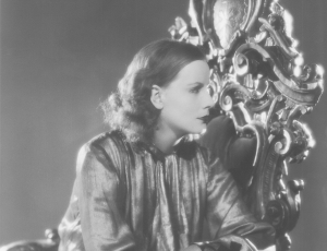 Lomography Magazine: Greta Garbo: The many Faces Of a Hollywood Queen