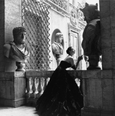 """GENEVIEVE NAYLOR IN THE V&A'S EXHIBITION """"THE GLAMOUR OF ITALIAN FASHION"""""""