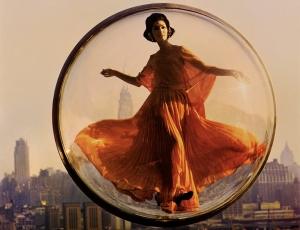 New York: Melvin Sokolsky, The Paris Pictures On Loelidelaphotographie.com