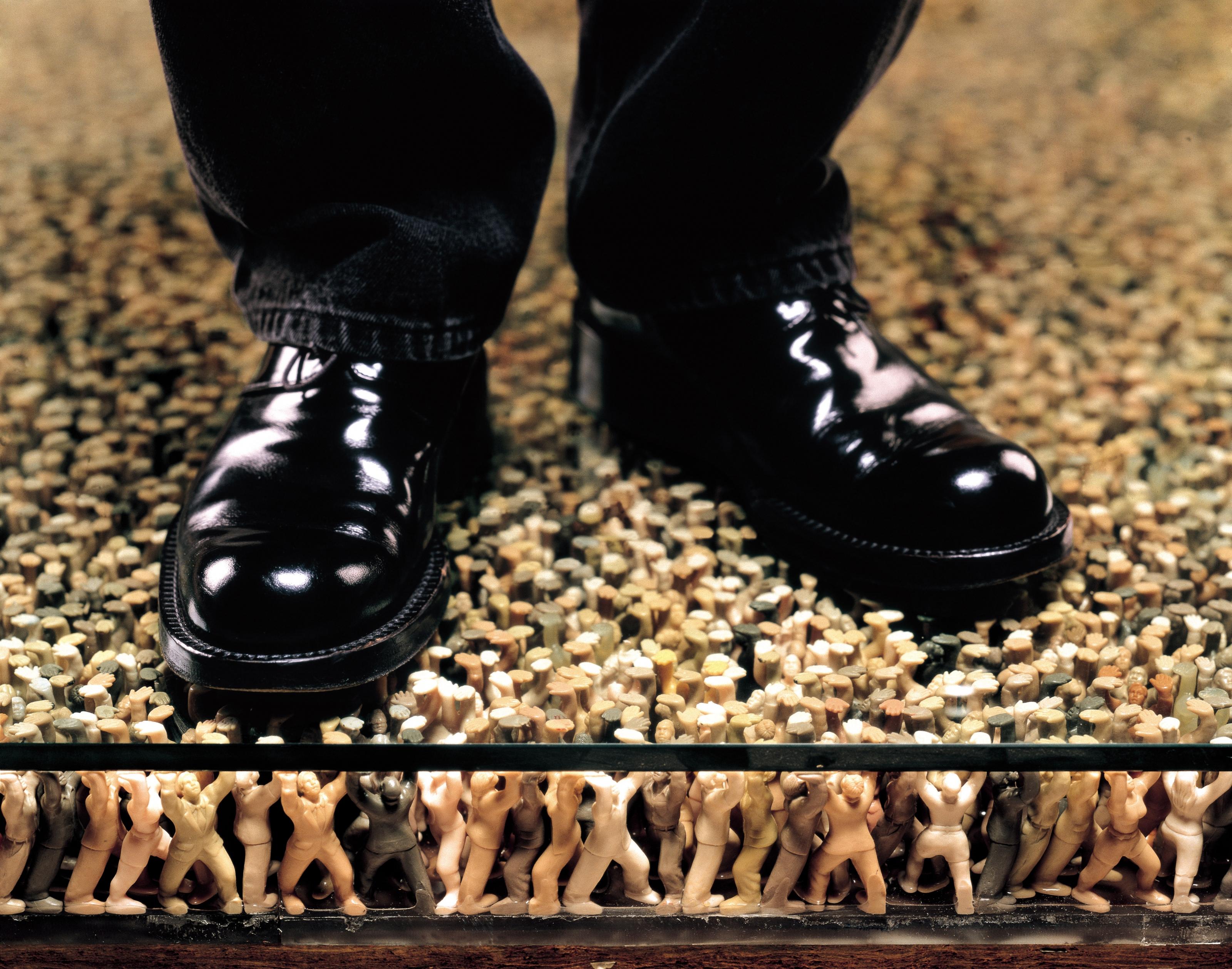 DO HO SUH, Floor (detail), 1997-2000
