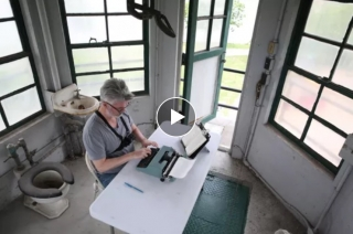 Video | Re-typing a novel in Sing Sing Prison guard tower