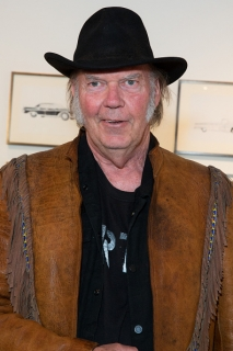 'Special Deluxe' memoir recalls Neil Young's rides to stardom