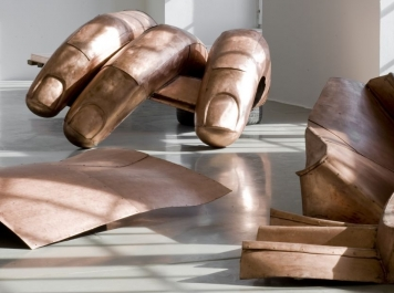 danh_vo_kunsthalle_fridericianum_2011