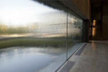 TERESA MARGOLLES, A través...(Through...), 2011