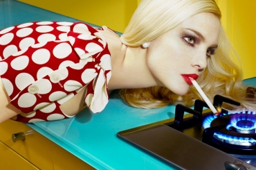 """Exhibition: Miles Aldridge in """"60 Years of Fashion Photography"""" at Atlas Gallery"""