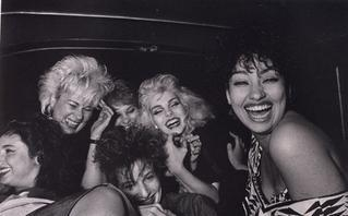Faces from the Night Shift – 30 Years of Photos Inside a New York City Cab