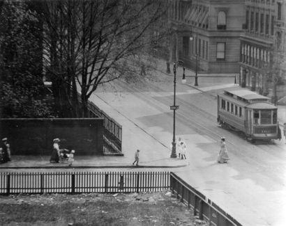Alfred Stieglitz - Sunday Afternoon - From My Window, 1111 Madison Avenue, Looking South, 1901 | Bruce Silverstein Gallery
