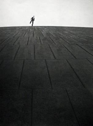 Robert Doisneau - L'homme sur le gazomètre, 1949   Bruce Silverstein Gallery