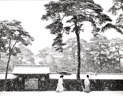 Werner Bischof - In the Court of the Meiji Shrine, Tokyo, Japan, 1952 Gelatin silver print   Bruce Silverstein Gallery