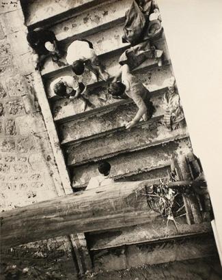 Ilse Bing - Sans titre, Paris, 1931 Gelatin silver print mounted to original scrap board, printed c. 1931 | Bruce Silverstein Gallery