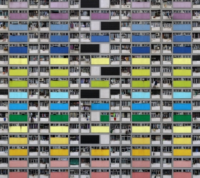 Michael Wolf - Architecture of Density #99, 2007 Chromogenic print ; Bruce Silverstein Gallery